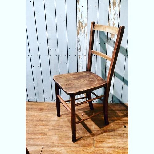 修復済みのチャペルチェア。近日中にサイトにアップします。 #アンティーク #椅子 #antiquechair