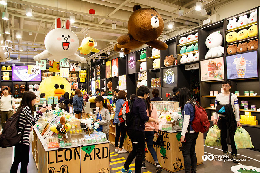 line-friends-store-cafe-garosugil-sinsa-south-korea