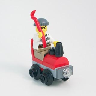LEGO City Advent 2015 Days 13-14