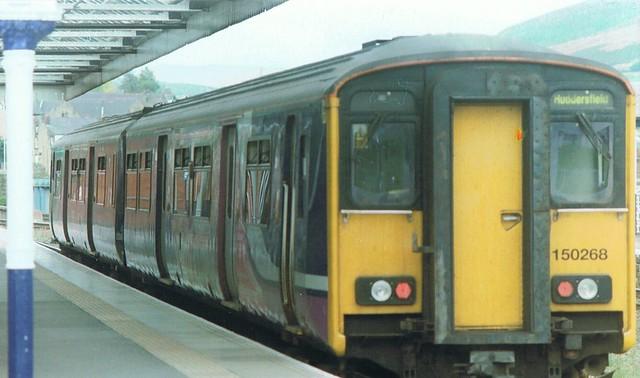 Class 150/2 Sprinter DMU, Stalybridge station
