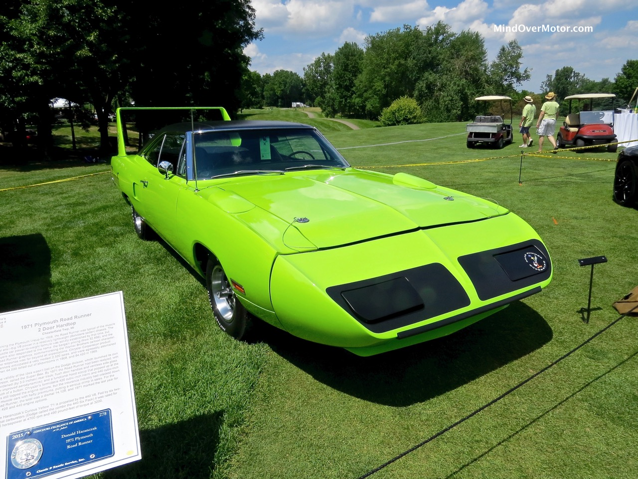 1970 Plymouth Superbird Front Right