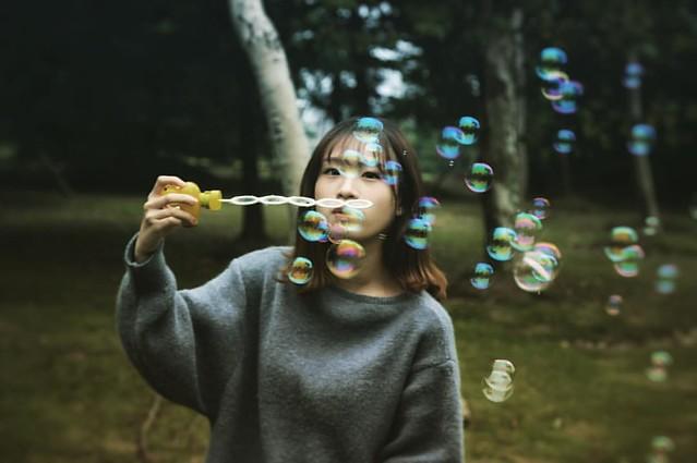 吹泡泡  #photography #portraitphotography #vsco #vscocam #agameoftones