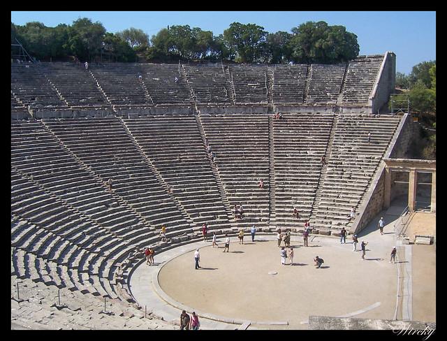Teatro griego Epidauro, mejor acústica mundo - Teatro de Epidauro