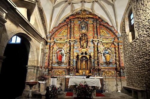 Vega de Villafufre (Villafufre-Cantabria). Iglesia. Retablo