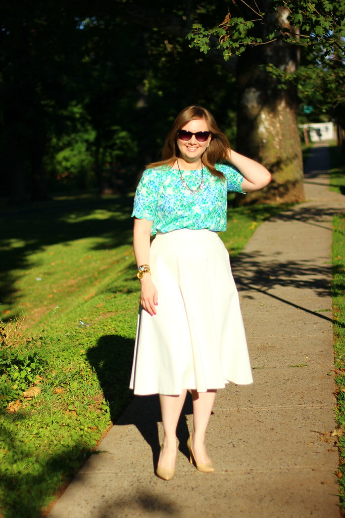 Floral lace top and white midi skirt (6)