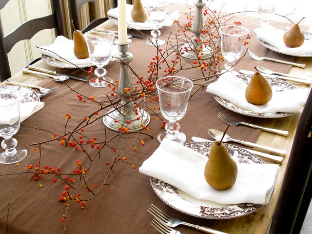 Thanksgiving Tablescapes | Fall Pear Dinner Table Setting