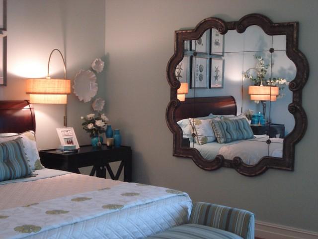 Treo gương dưới chân giường không tốt cho giấc ngủ