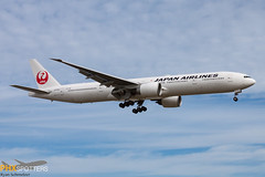 JAL 777-300 JA735J