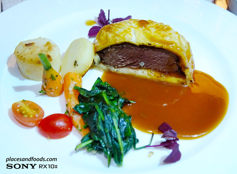 dinner and audience with gary rhodes classic beef wellington