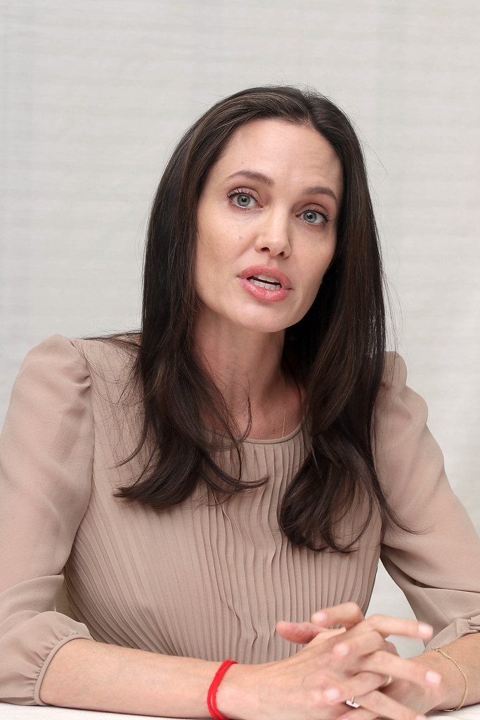 Анджелина Джоли — Пресс-конференция «Лазурный берег» 2015 – 52