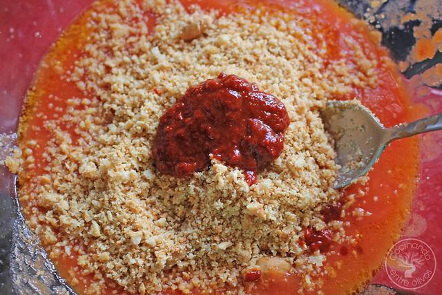 Solomillo en manteca con salsa romesco www.cocinandoentreolivos.com (47)