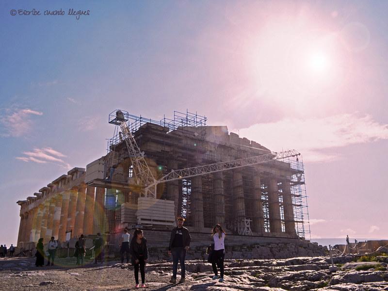 Descubre cuáles son los mejores tours guiados para visitar la Acrópolis de Atenas durante tu estancia en la capital griega