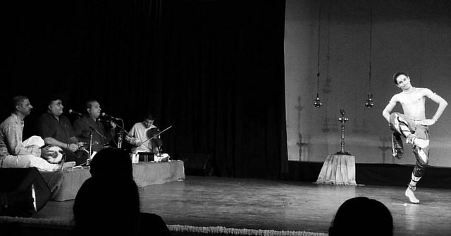 Adhithya P V performs #bharatanatyam as his Guru (who sang natvangam) proudly watches his moves.  Adithya PV is a student of the dancer duo Shri.Kiran Subramanyam and Smt. Sandhya Kiran. The performance received standing ovation from the audience today at