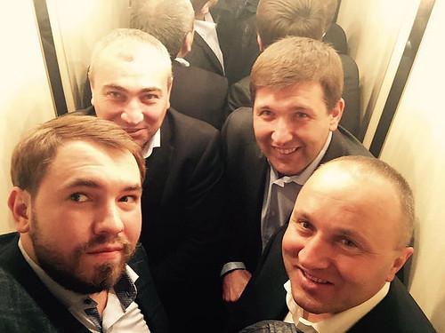 Ліфт зблизив депутатів