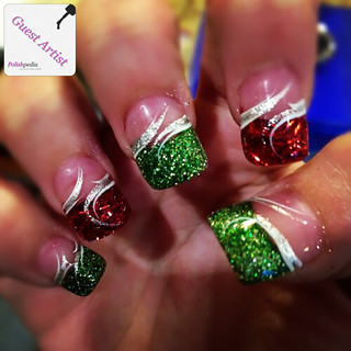 nails-red & green swirls