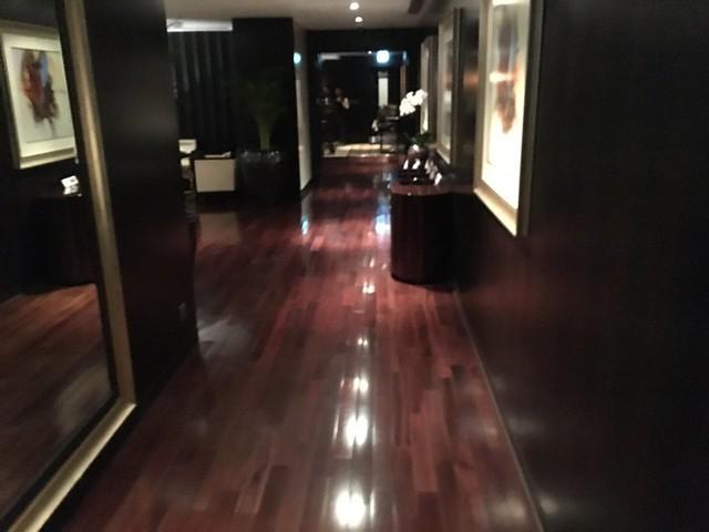 Level 5 lounge - Grosvenor House Dubai