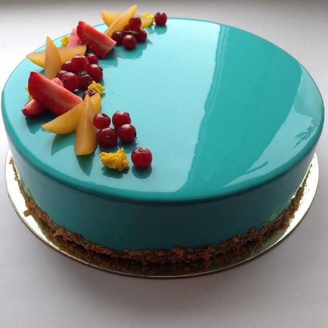 Cake by Kiwicakes