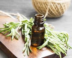 L'huile essentielle pour la beauté de vos  c…