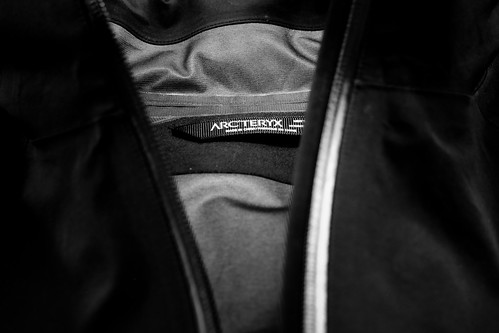 Arc'Teryx A2B Commuter Hardshell - inside label and article details