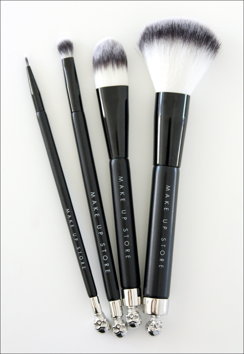 Make up store shade brushes