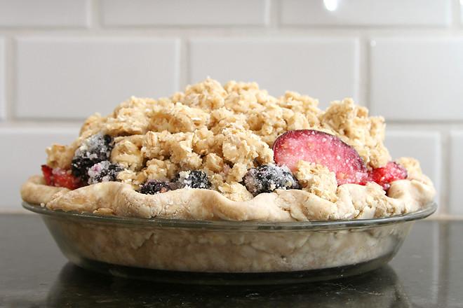 blackberry plum pie 3