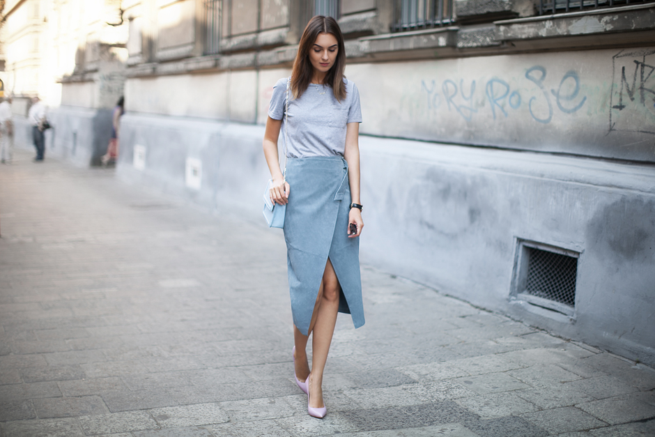 suede-midi-skirt-fashion-look-street-style