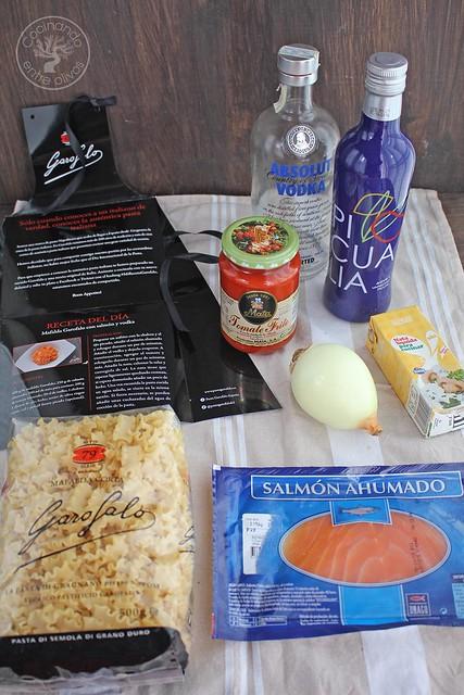 Mafalda con salmon y vodka www.cocinandoentreolivos.com (1)