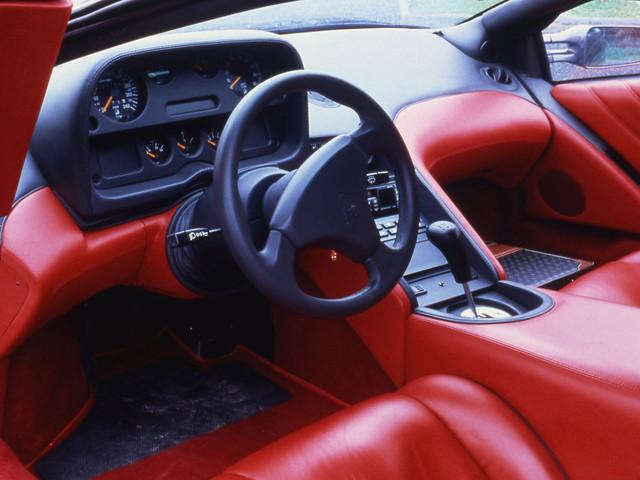 Салон Lamborghini Diablo. 1990 – 1993 годы