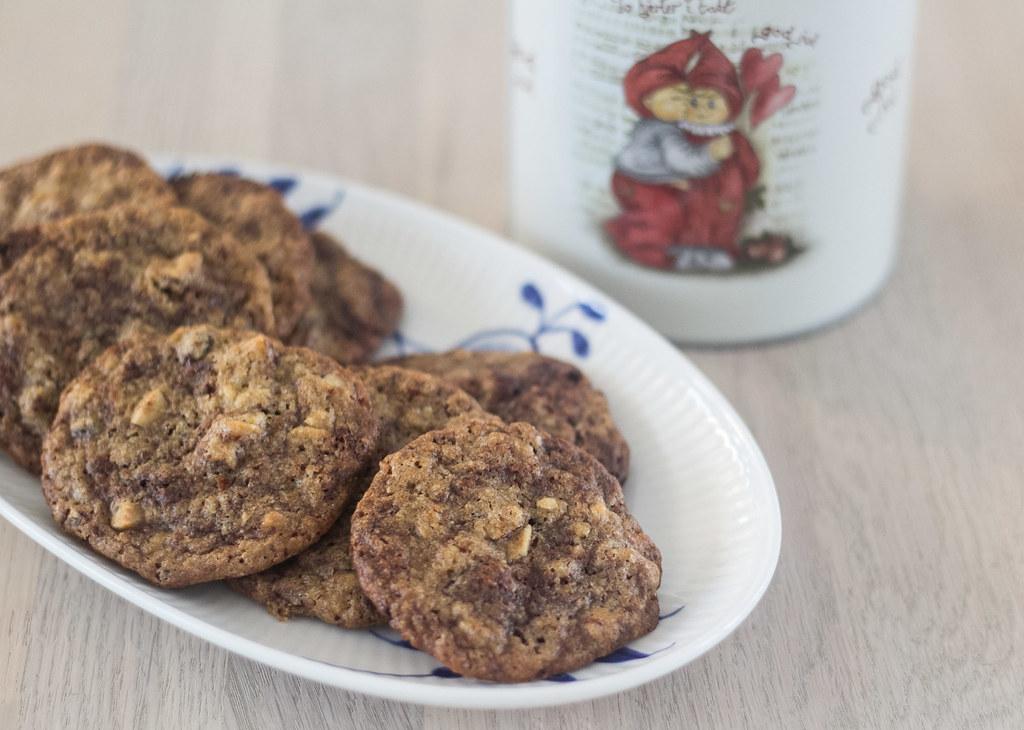 Cookies med chokolade og nødde