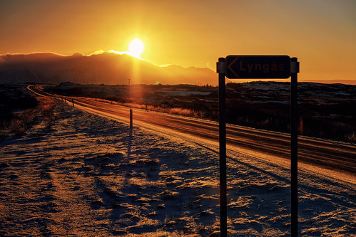 borgarnes westernregion iceland highway road dawn twilight sunrise goldenhour golden
