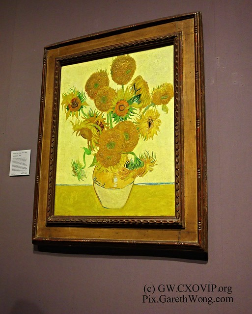 #MustSee Vincent van Gogh (1853-1890) Sunflowers 1888 at National Gallery from RAW _DSC1325 brilliant explanation by lady re how to appreciate it, at member's summer party. Great event!