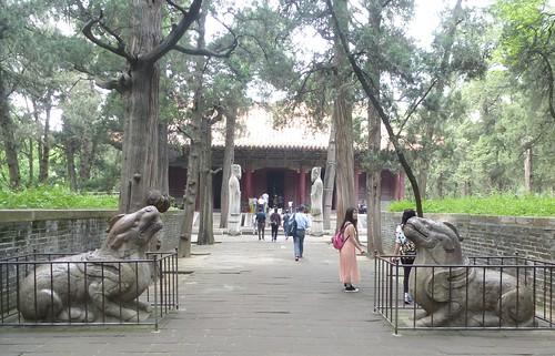 CH-Qufu-Confucius-Cimetière-Tombeaux (2)