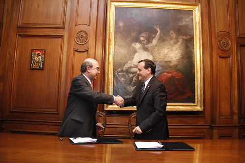 Firma convenio Encuesta Bicentenario