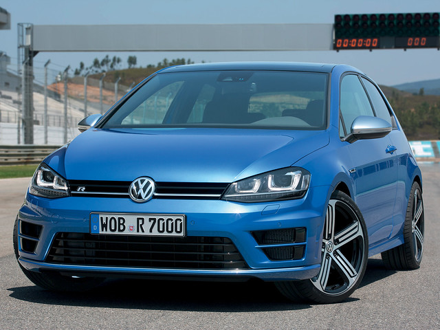 Хот-хэтч Volkswagen Golf R (Typ 5G). 2013 год