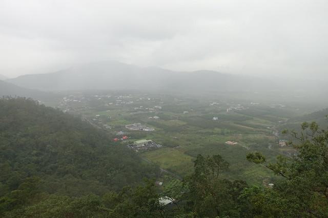 下雨天濛濛的山景@宜蘭香格里拉休閒農場