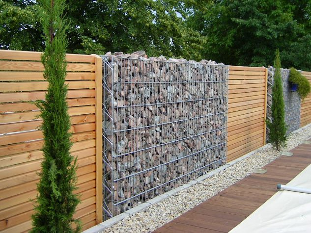 15 Impressive Ideas on How to Build a Privacy Stone Walls or Fences In Outdoor
