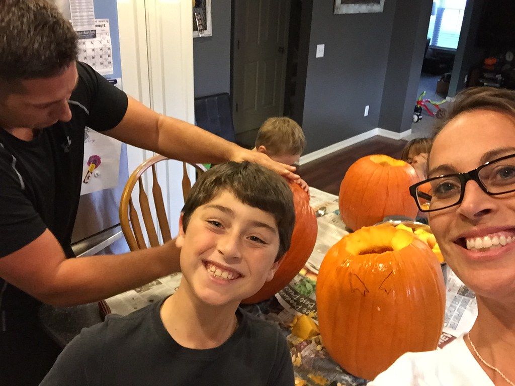 The Anes Family's Adventures in Pumpkin Carving!