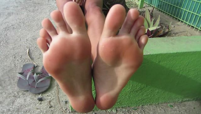 Big feet latina size 11