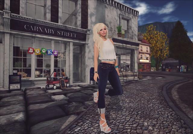 Style - They Wanna Stroll Down A City Sidewalk
