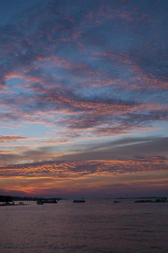 sky usa water sunrise nikon wasser unitedstates florida navarre santarosacounty santarosasound d5000 fisherbray