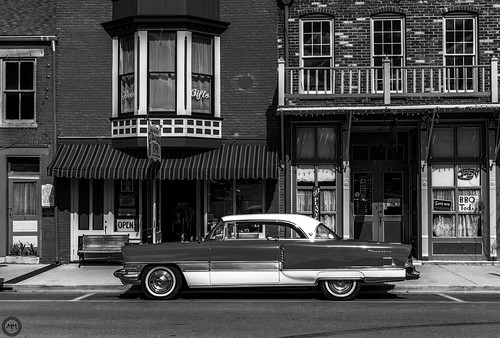 Old car in Hannibal