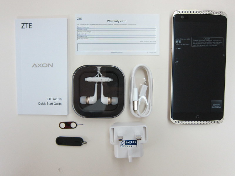 ZTE Axon Elite - Box Contents