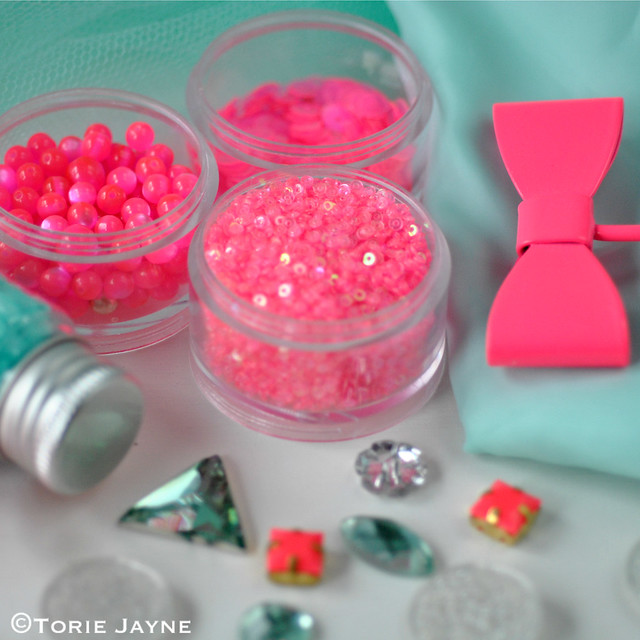 Neon pink & mint collection 1
