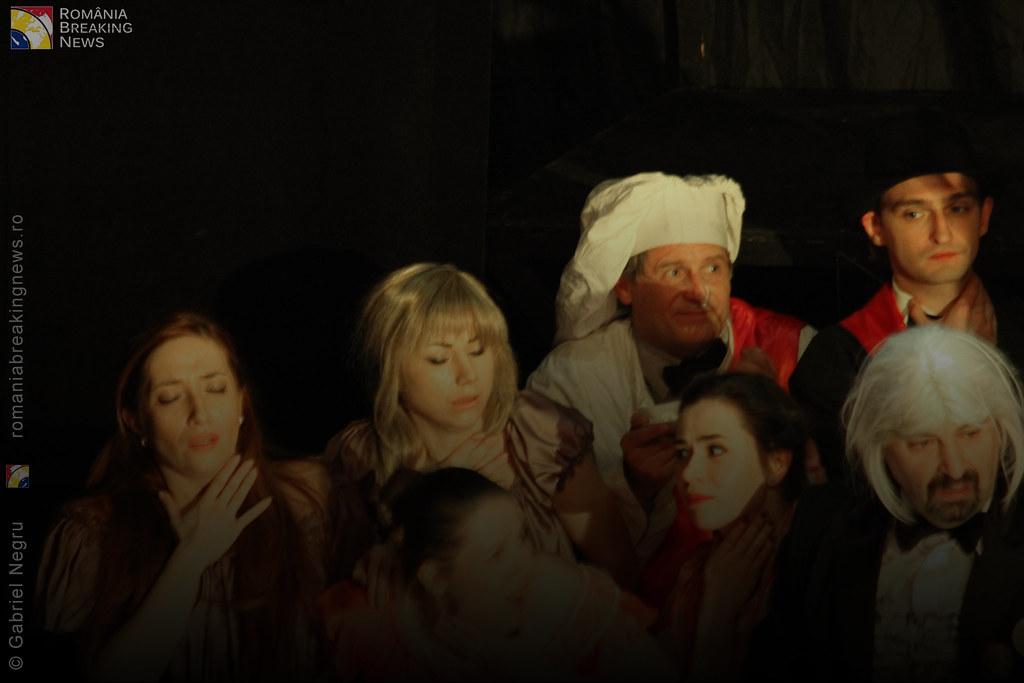 Tetrul_Nottara_si-a_ridicat_oficial_cortina_Trupa_Teatrului_Ginta_Latina_din_Chosinau (22)