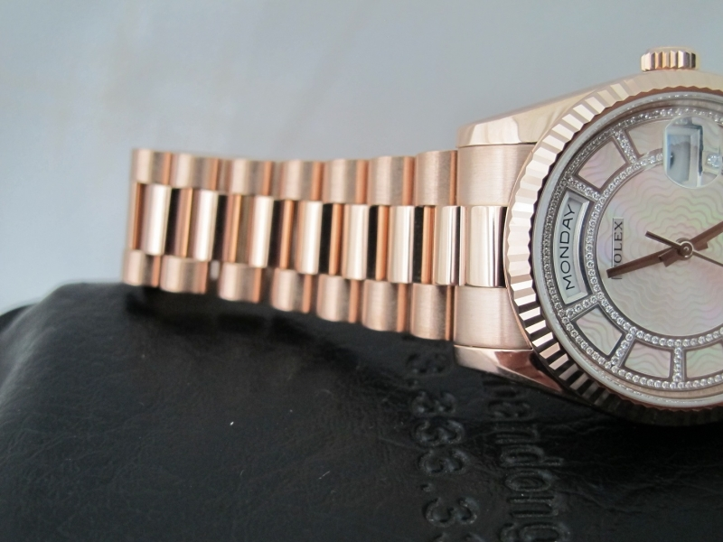 bán đồng hồ rolex day date 6 số 118235 – mặt đặt biệt carousell – size 36mm