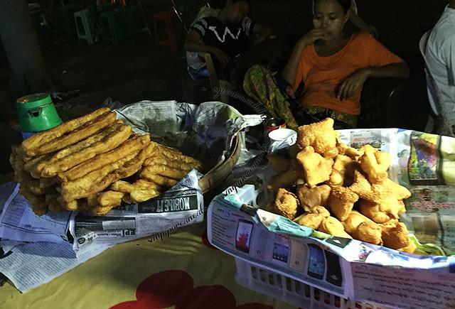 Yangon Chinatown - fritters
