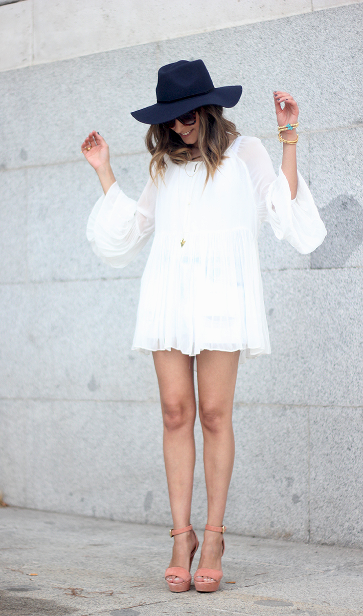Blue Hat WHite Blouse Pink Pale Wedges Outfit09