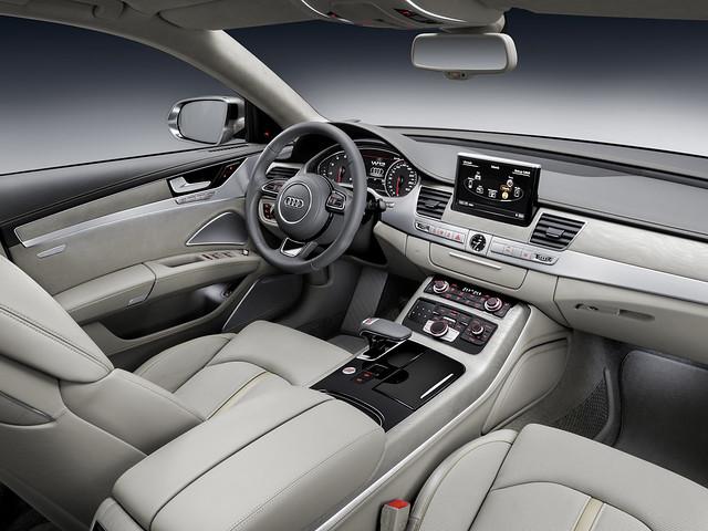 Салон Audi A8 D4