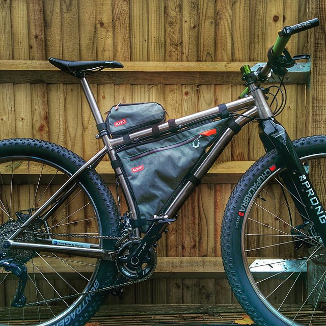 Thanks @alpkit, awesome custom frame bag, the @traversbikes Rusty is looking sweet - #bikepacking #gdmbr #TourDivide #2016 #herewecome