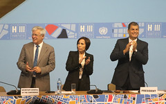 10/20/2016 - 19:45 - Quito, 20 oct (Andes).- Con la presencia del Presidente de la República Rafael Correa y Jean Clos, Secretario de HábitatIII, se llevó a cabo la clausura de la Tercera conferencia de Hábitat que se realizó en Quito-Ecuador. ANDES/Micaela Ayala V.